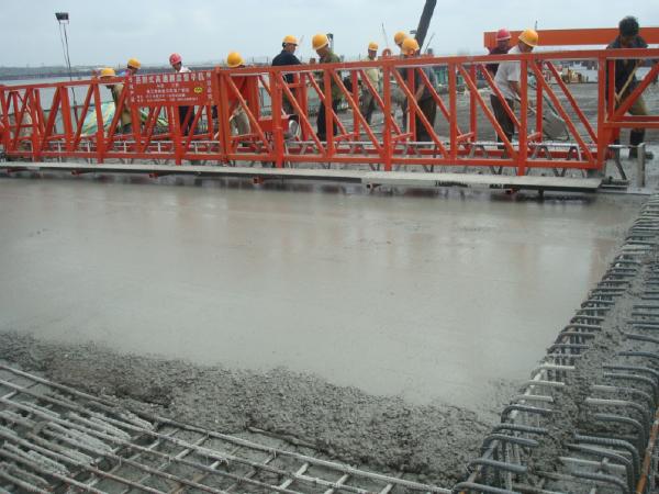 [淮南]公路大桥工程40m、50m现浇箱梁移动模架施工方案