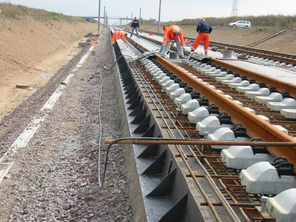 铁路路基关键技术和重点施工工艺介绍(243页)
