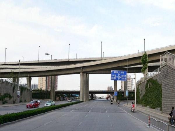 城市道路快速通道工程施工期交通疏解保通方案(附图纸)