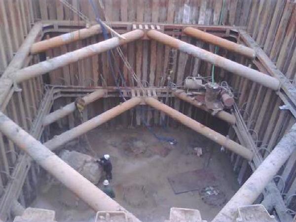 洋口大桥主墩深基坑钢板桩围堰施工方案