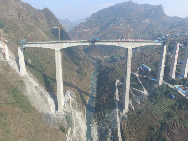 [云南]特大桥高墩施工工艺交流汇报PPT(52页)