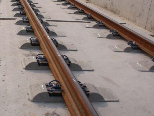 CRTSⅡ型板式无砟轨道轨道精调施工工序管理要点