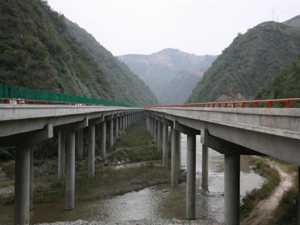 高速公路路基桥隧工程项目管理策划书