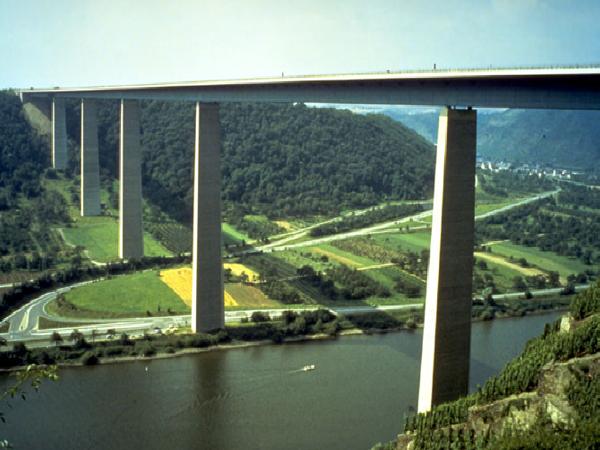 大跨度桥梁设计之预应力混凝土连续梁桥
