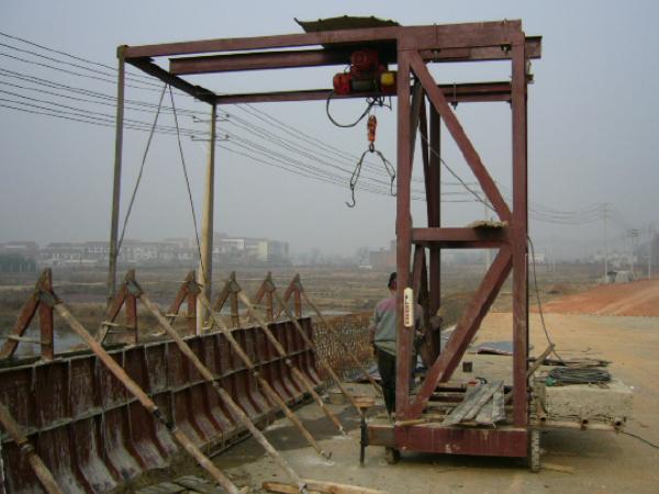 公路桥梁外包式防撞护栏施工工法