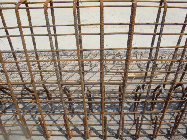 桥梁混凝土防撞护栏施工工法及图片