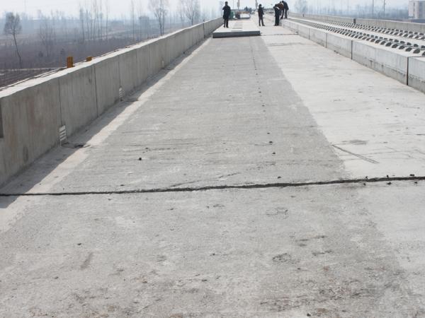 桥梁地段CRTSI型双块式无砟轨道施工工艺