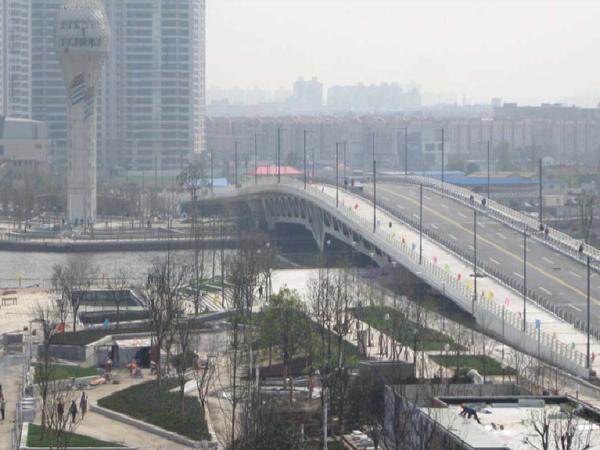 港口双层钢桁架连续梁主桥钢结构设计