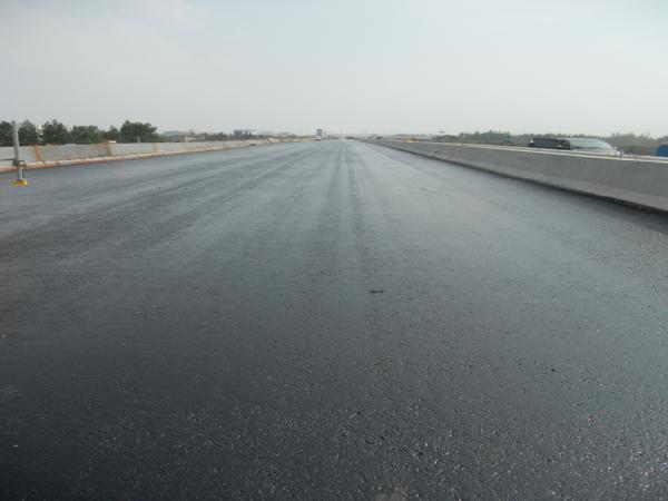 SMA改性沥青路面铺装施工工法