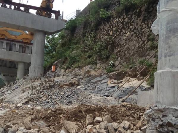[QC成果]公路老挡墙加固利用新方法