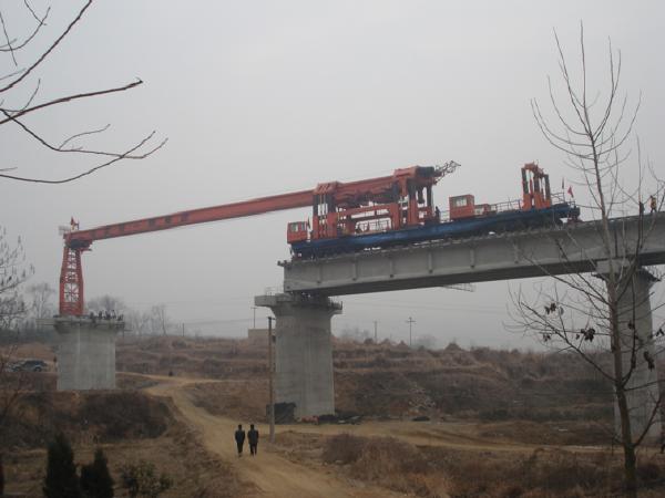 铁路铺架施工作业过程安全风险控制探讨