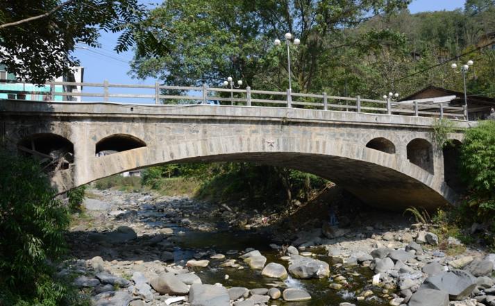 四级公路桥梁维修加固工程汇报材料_3