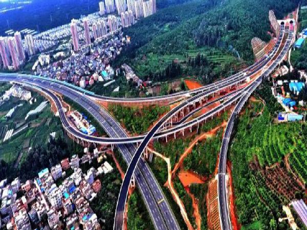桥梁设计方案汇报材料资料下载-高速公路桥梁工程施工技术交流汇报材料