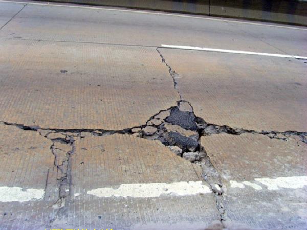 高速公路改建项目路面方案设计汇报