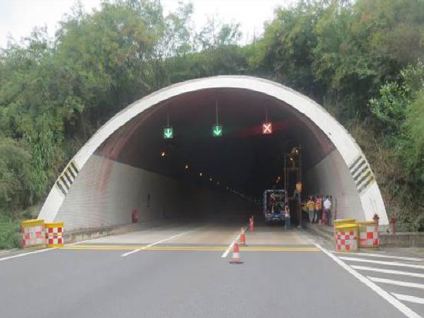 高速公路7座隧道病害修复汇报材料