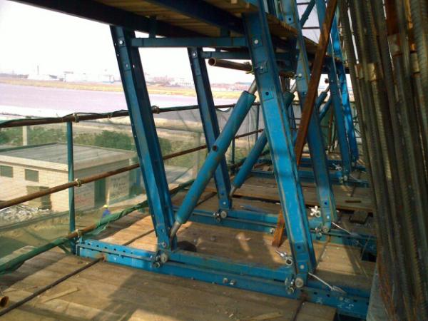 [松原]悬索桥主塔及中横梁施工技术交底
