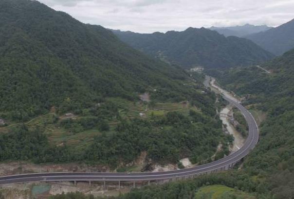 高速公路高边坡施工与安全专项施工方案PPT
