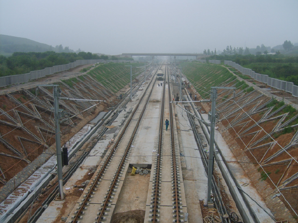 高速铁路(客运专线)路基施工特点及技术手段