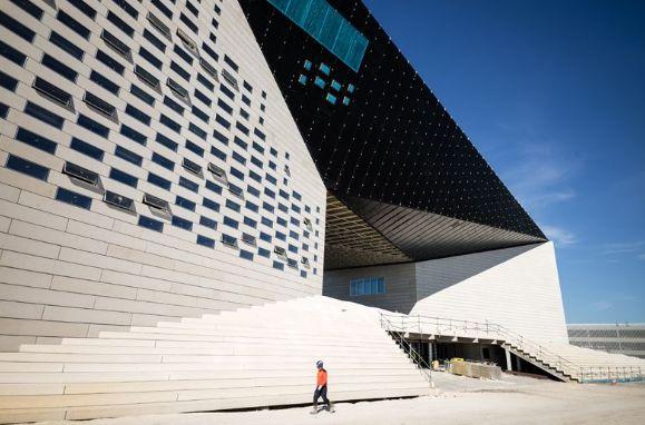 历时7年,BIG设计波尔多文化艺术中心建成开业_5