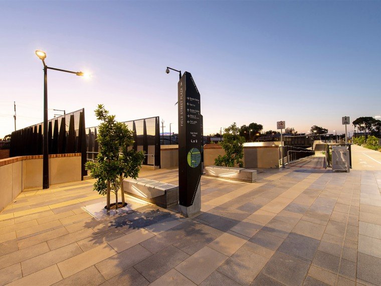 澳大利亚Bowden新火车站公共空间