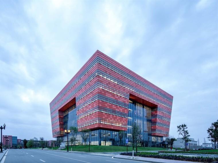成都大学新图书馆