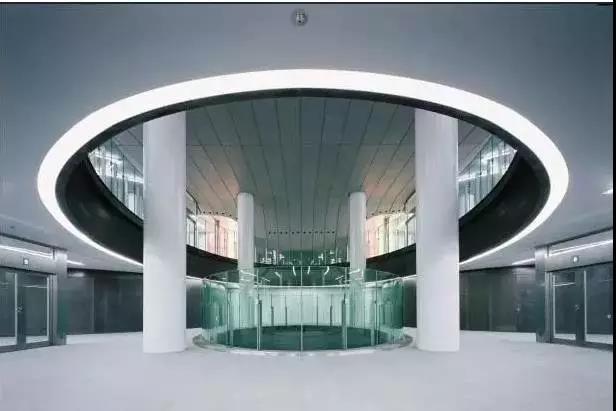 地铁站空调系统 技术探究全球第一个使用毛细管网辐射空调系统的