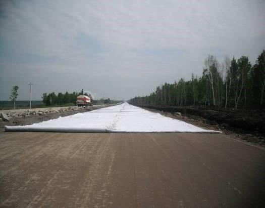 公路路面水泥稳定碎石基层摊铺机施工工艺工法