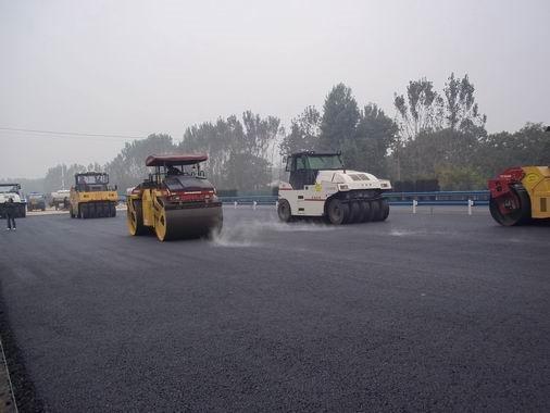 公路路面沥青稳定碎石基层施工工艺工法