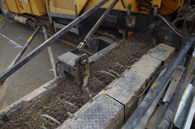 高速公路路面大厚度水稳基层施工工法
