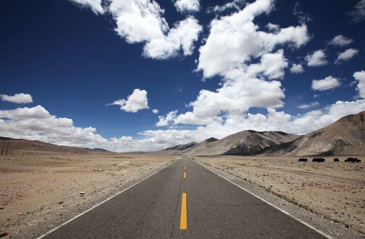 [新疆]公路建设标准化管理手册(277页,含图表)