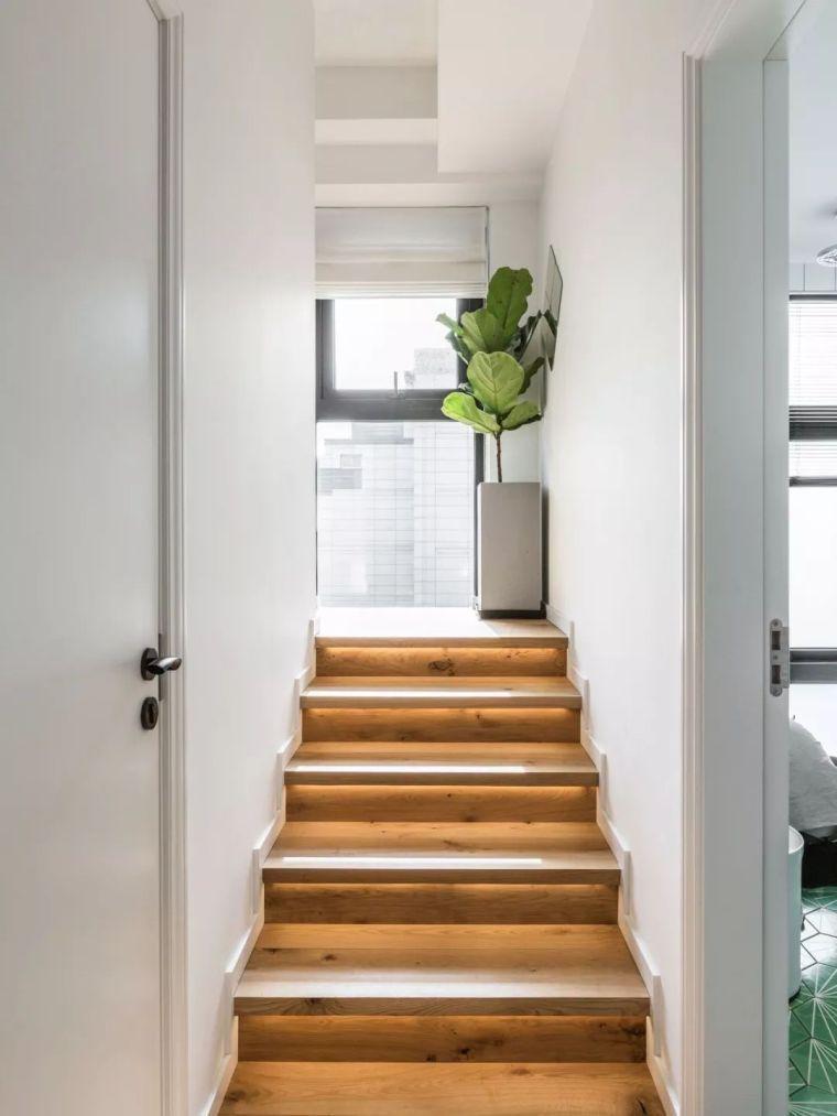 上海夫妇撬开地板、把卧室悬空,60㎡小家变豪宅!_9