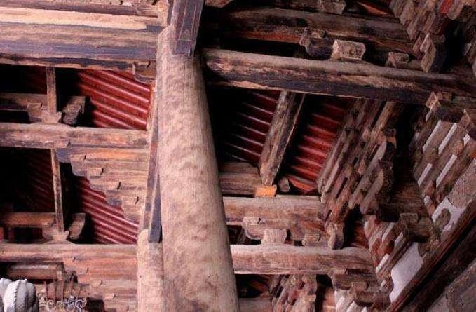 浅谈古建筑中的柱、梁和枋的特点及施工工艺