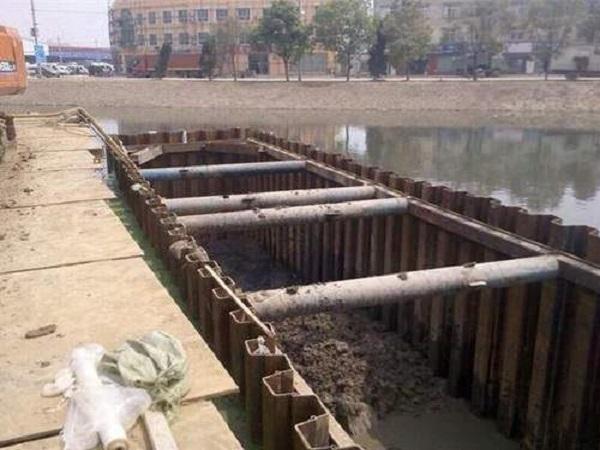 污水检查井拉伸钢板桩方案