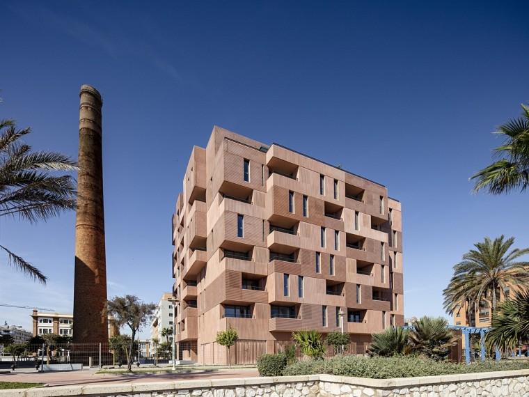 西班牙老工业区公寓楼