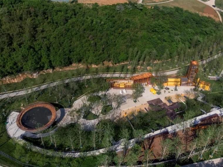 南京汤山矿坑公园