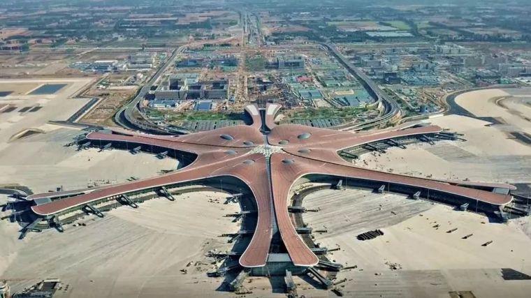 我国最大综合立体交通枢纽,北京大兴国际机场主要工程竣工
