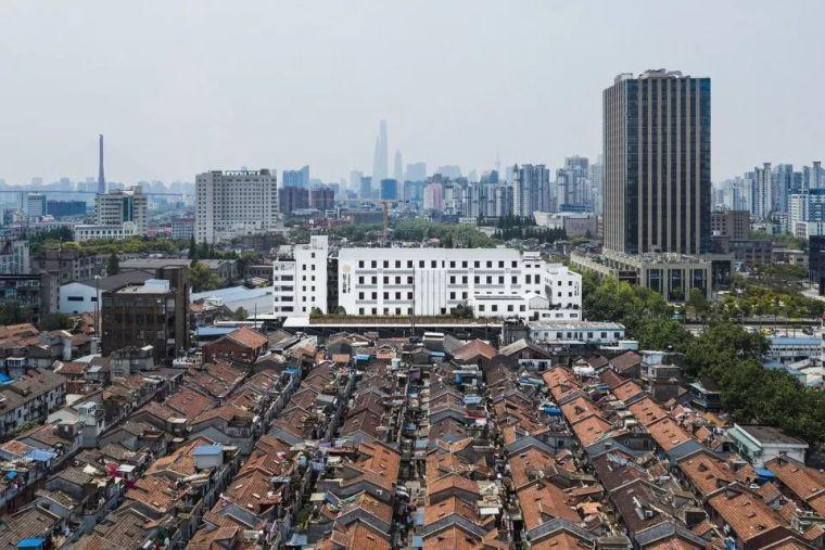 """""""上海灯芯绒厂""""城市更新–芯工创意园"""