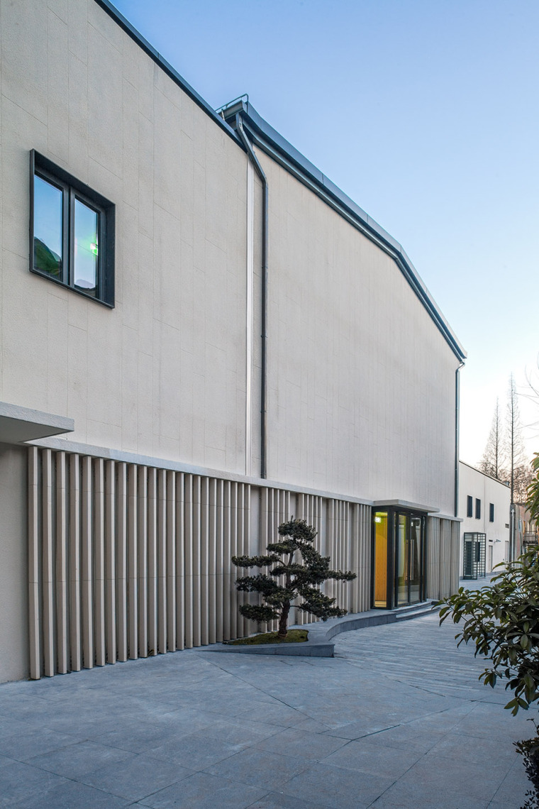 024-renovation-project-of-shanghai-chinese-orchestra-located-at-no-336-xinhua-road-phase-i-china-by-tjad