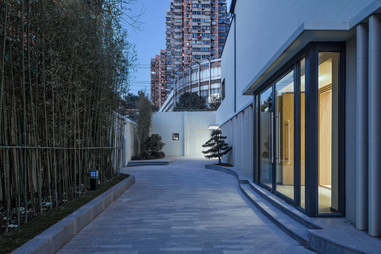 027-renovation-project-of-shanghai-chinese-orchestra-located-at-no-336-xinhua-road-phase-i-china-by-tjad