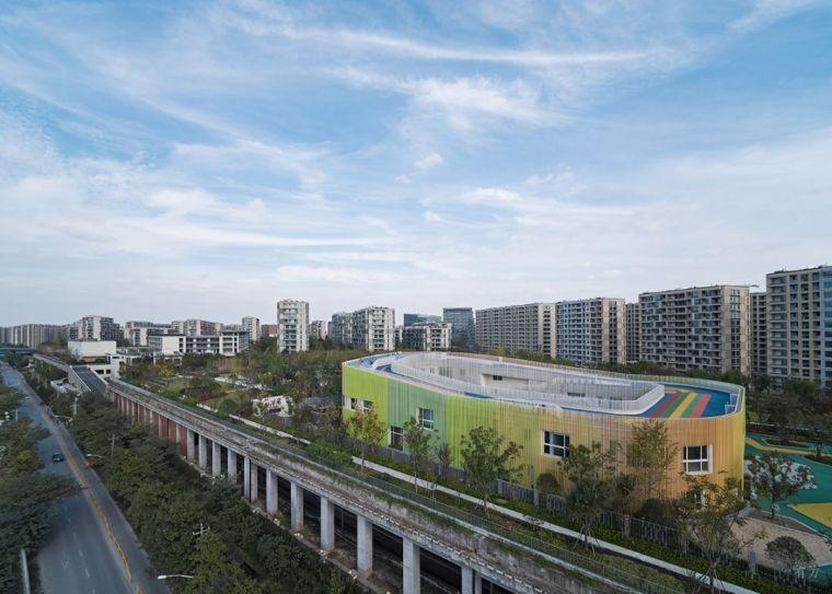 新作 探寻天空之城:杨柳郡社区小学与幼儿园/gad