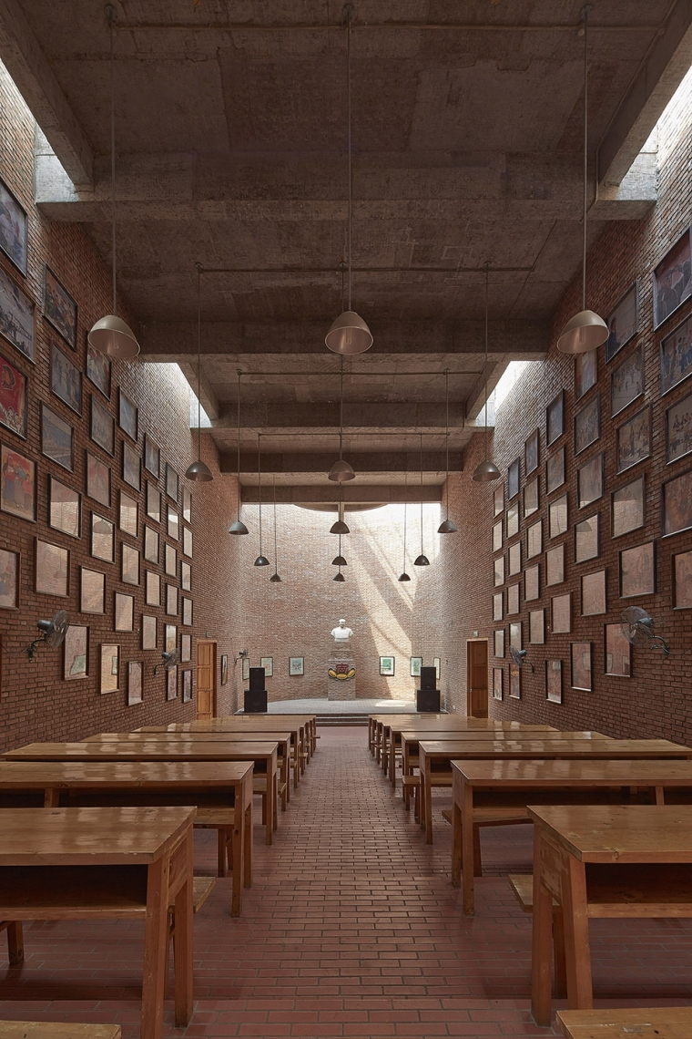 008-museum-of-cultural-revolution-clocks-jianchuan-museum-cluster-china-by-jiakun-architects-960x1440