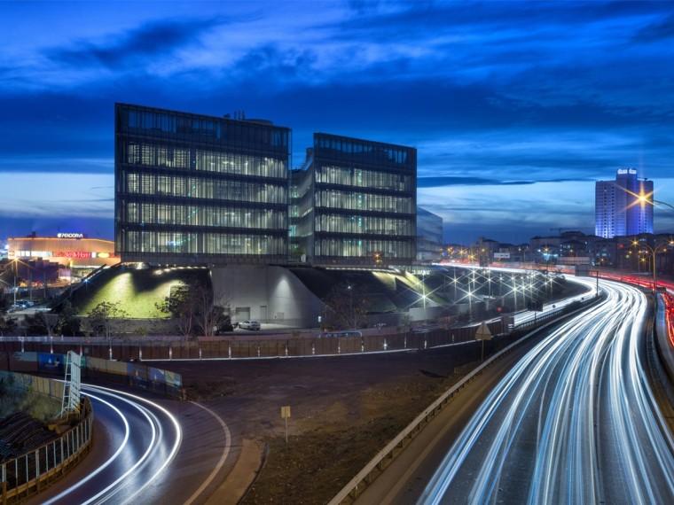 土耳其加兰蒂银行科技园区建筑