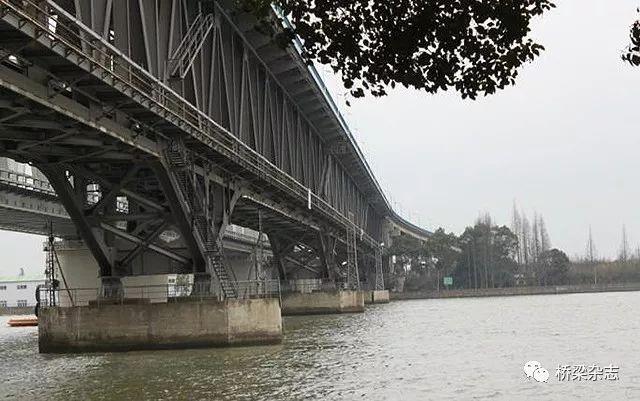 """松浦大桥""""变形计"""""""
