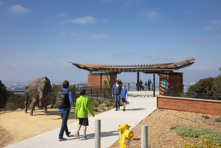 006-california-trail-at-the-oakland-zoo-by-noll-tam-architects