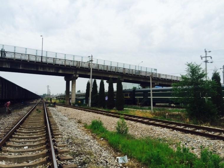 既有桥横跨铁路拆除施工方案(图文并茂)