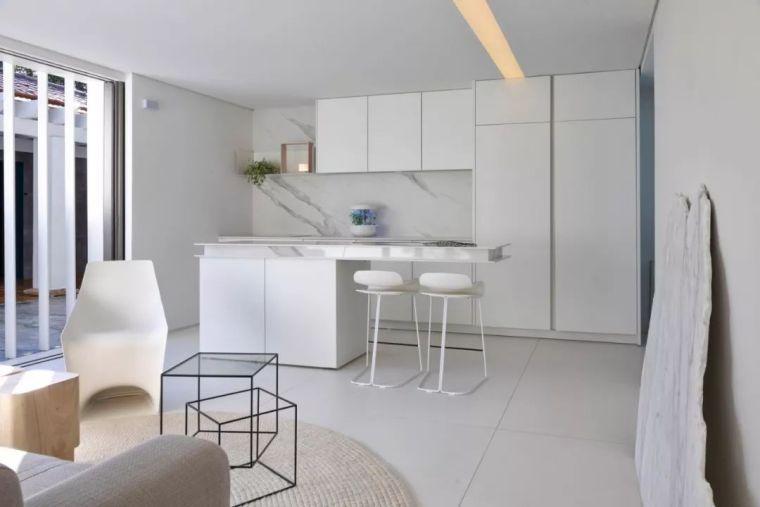 2个集装箱拼成一室一厅,60㎡的极简白实在太美了!_13