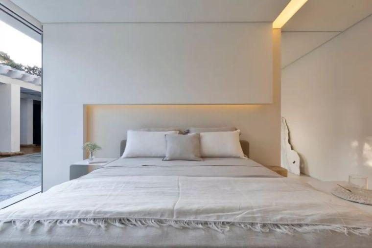 2个集装箱拼成一室一厅,60㎡的极简白实在太美了!_20