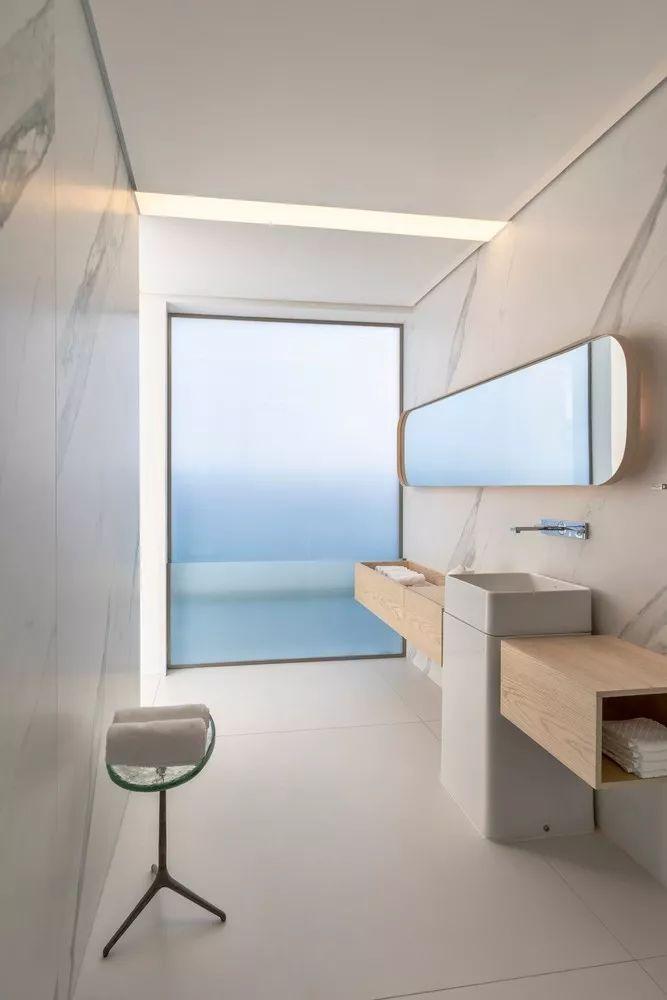 2个集装箱拼成一室一厅,60㎡的极简白实在太美了!_24