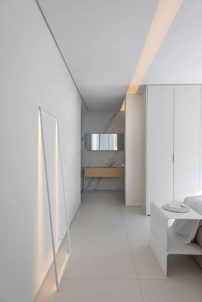2个集装箱拼成一室一厅,60㎡的极简白实在太美了!_23