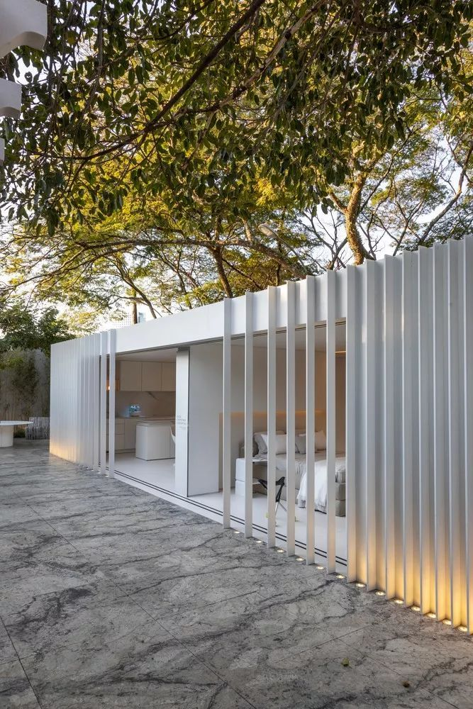 2个集装箱拼成一室一厅,60㎡的极简白实在太美了!_33